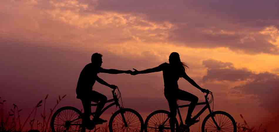 Couple cycling | exercises to get rid of water retention