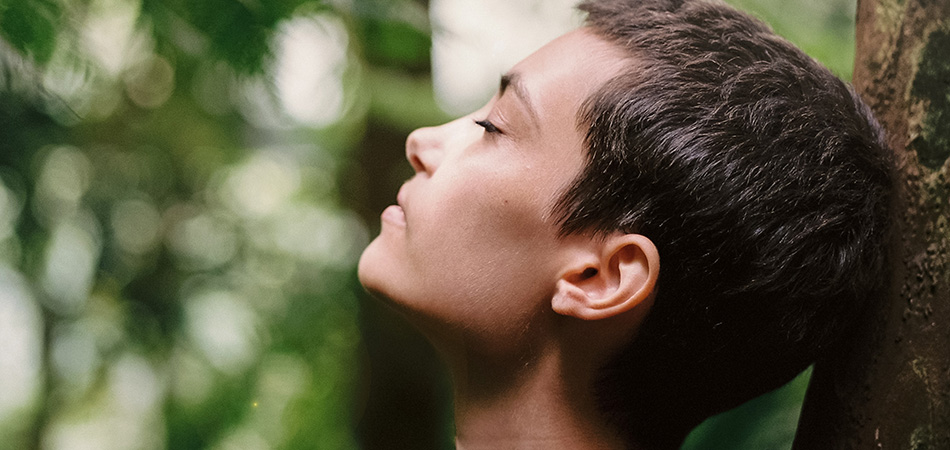 Young woman | natural remedies for anxiety