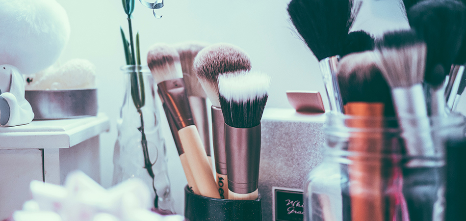 Makeup brushes | HRI Clear Complexion